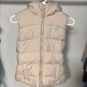 Hollister Puffy Hooded Vest